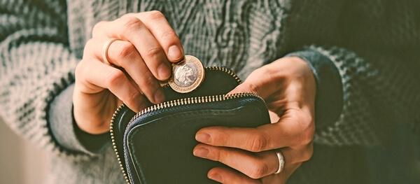 Кошелек и монета