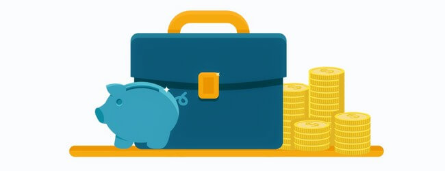 Копилка, портфель и стопки монет